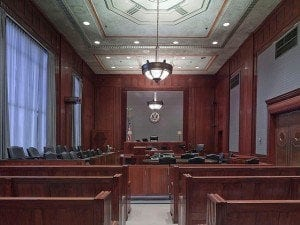 courtroom-898931_640