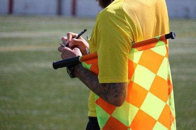 Profisportler, Schiedsrichter, Sportwetten
